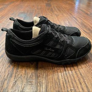 Skechers Breathe-Easy Black Sneaker